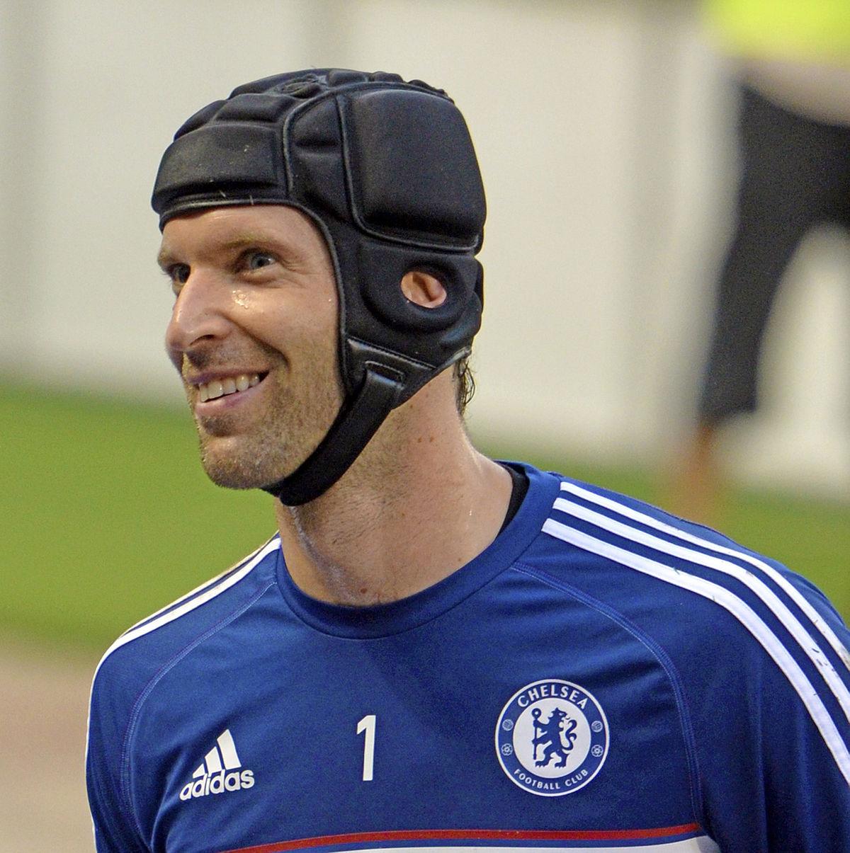 De director deportivo a portero ¡Peter Cech regresa del retiro!